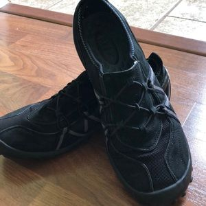 Privo Black shoes 6 1/2